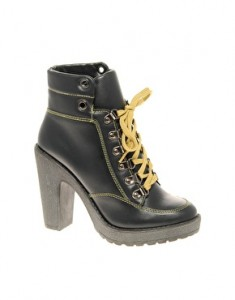coats and boots fashion trends new season 2012_4
