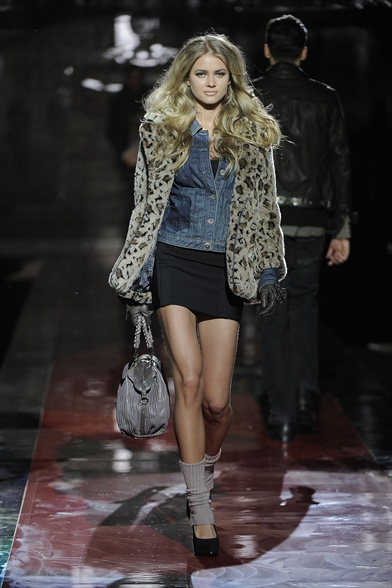 Guess Women S Fashion Fall Winter 2012