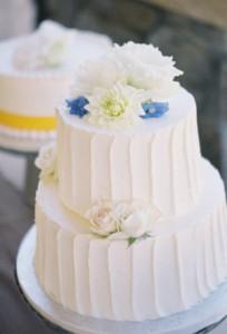 white wedding cakes_9