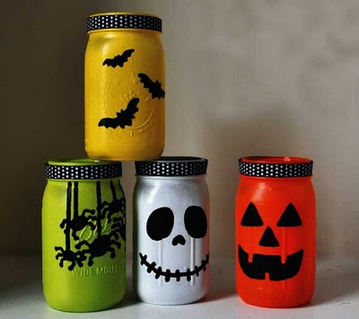 Halloween Mason Jar Crafts / Miss Information Blog/ #halloween #decorations #masonjars #crafts