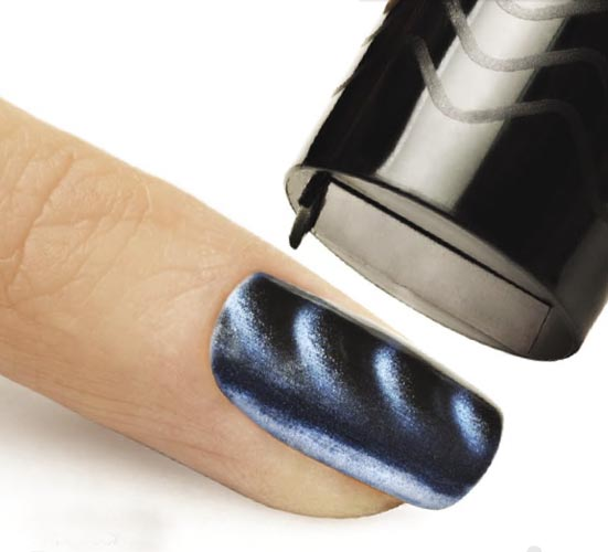 Gelish-Magneto-Gel-Polish-and-Nail-Lacquer_1