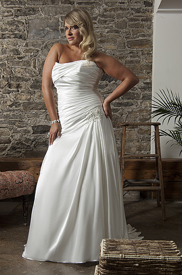 Plus Size Wedding Dresses by Callista (5)