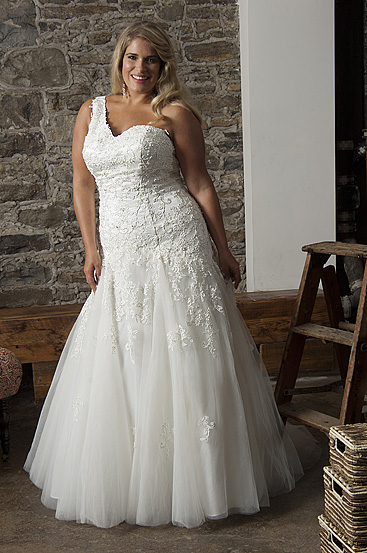 Plus Size Wedding Dresses by Callista (9)