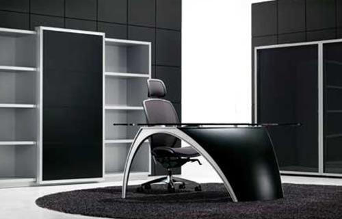 Executive-Luna-Desk-by-Pininfarina