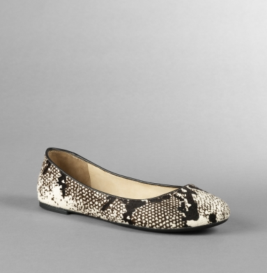 Kenneth Cole Flat Shoes- The Delight Flat