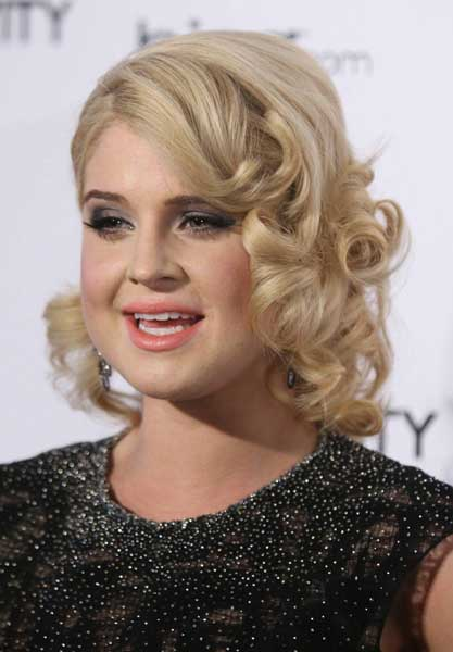 homecoming-hairstyles-kelly-osbourne-short-hair-prom