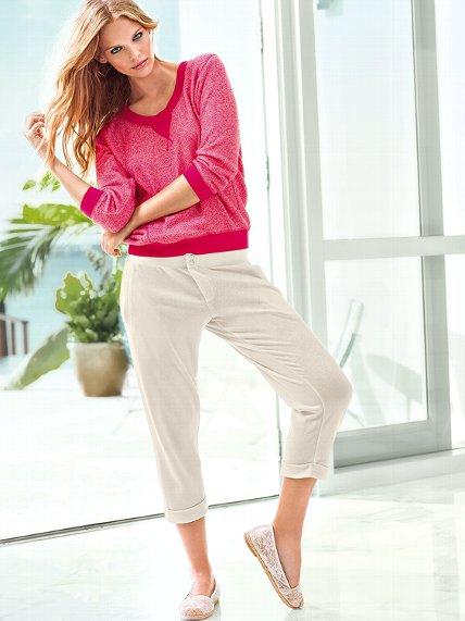Victoria's Secret Clothing Supermodel Off-Duty_6