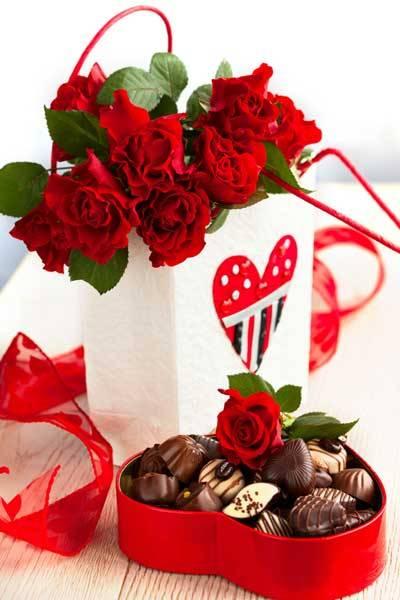 Cute Valentine's Day Flowers & Chocolates