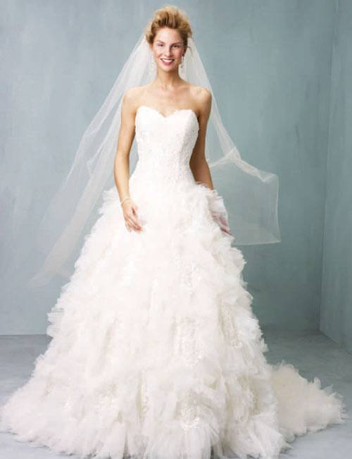 Wedding Dresses 2013 Finding the Right Bridal Gown_07