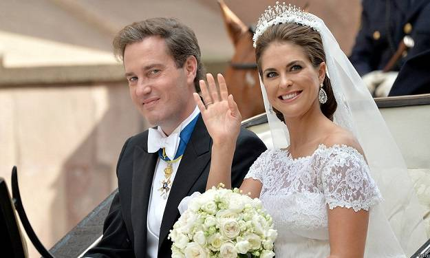 Princess Madeleine of Sweden's Wedding Dress_3