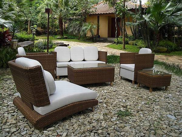 How to Choose Patio Furniture_05