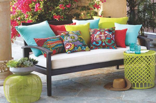 How to Choose Patio Furniture_32