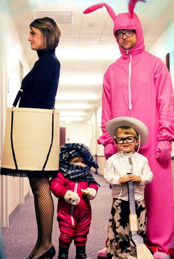 Creative Family Costume Idea