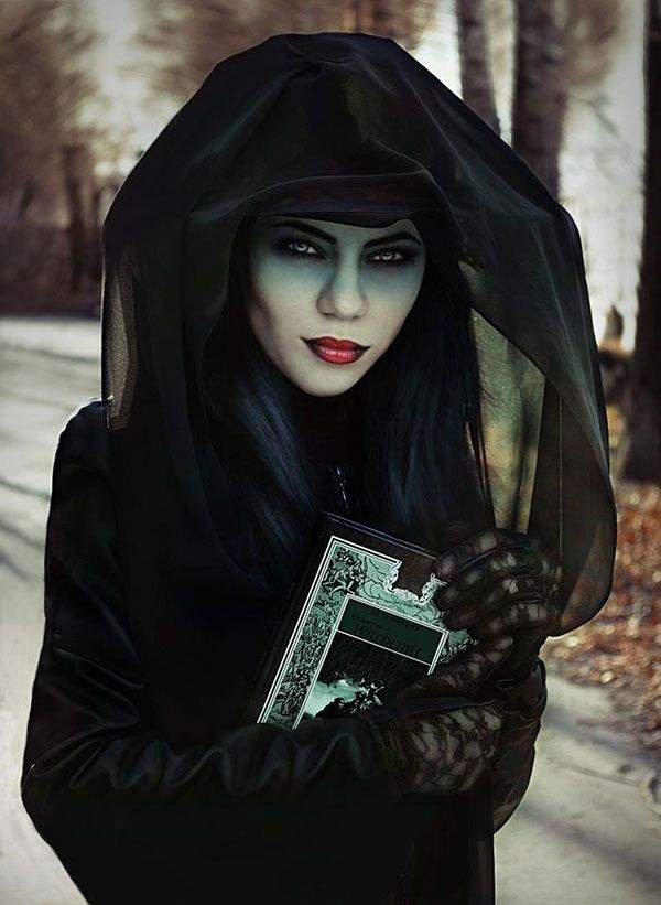 Halloween scary makeup ideas for women