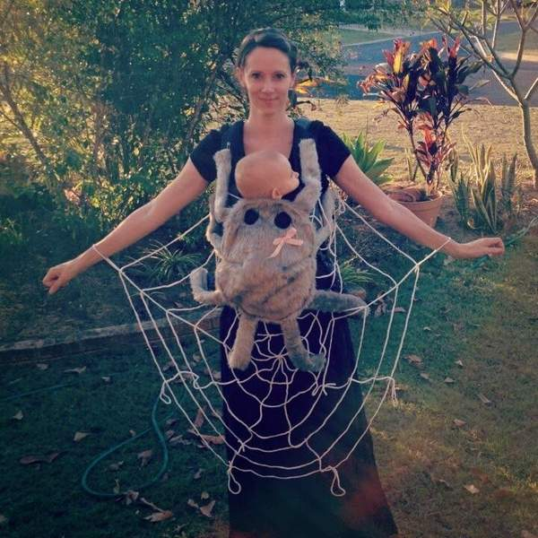 Idea To Turn Your Baby Carrier Into A Great Halloween Costume