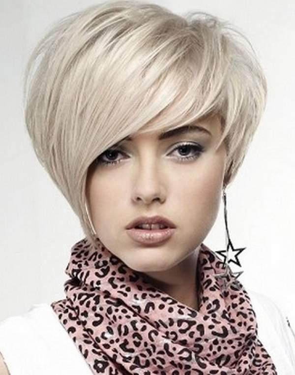 Platinum Blonde Stacked Bob – Short Bob Hairstyle
