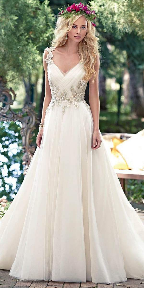 Best Styles for Beach Wedding Dresses_14