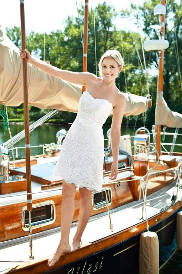 Best Styles for Beach Wedding Dresses_15