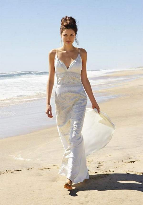 Best Styles for Beach Wedding Dresses_18