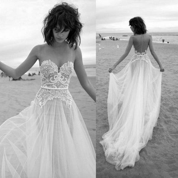 Best Styles for Beach Wedding Dresses_28