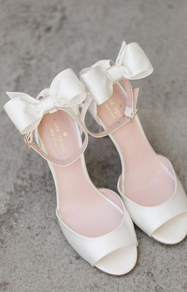 Tips for Buying Wedding Shoes for the Bride_01