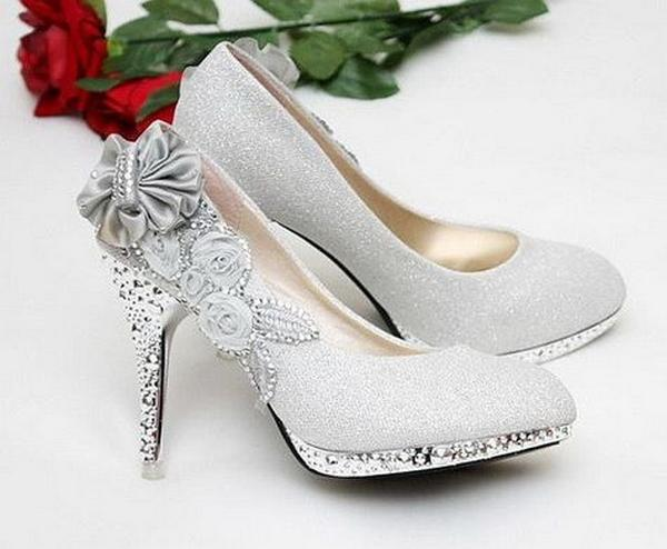 Tips for Buying Wedding Shoes for the Bride_02