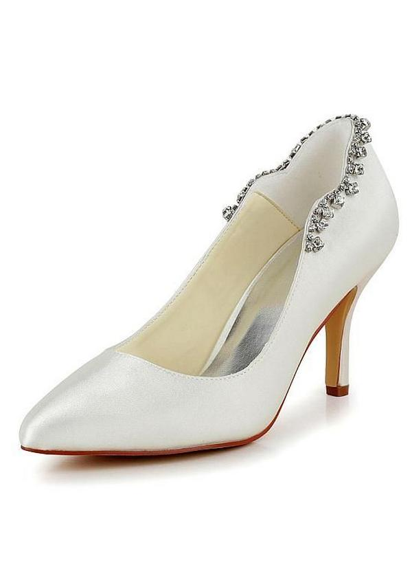 Tips for Buying Wedding Shoes for the Bride_03