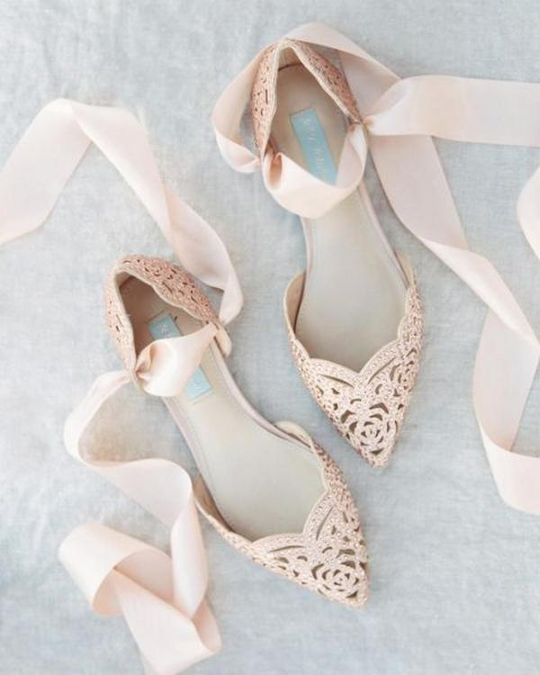 Tips for Buying Wedding Shoes for the Bride_10