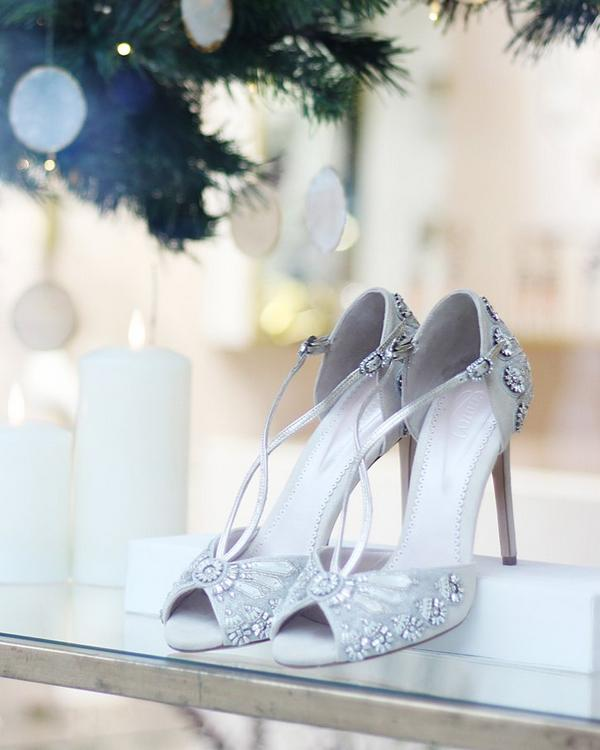 Tips for Buying Wedding Shoes for the Bride_12
