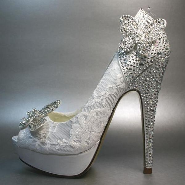 Tips for Buying Wedding Shoes for the Bride_13