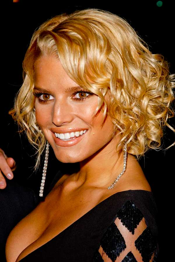 Jessica Simpson short hairstyles